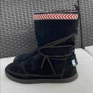 TOMS Suede Trim Nepal Boots